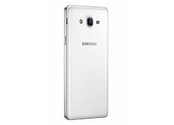 عرضه رسمی Galaxy On5 سامسونگ: گوشی هوشمندی ارزان با آندروید آب نبات چوبی