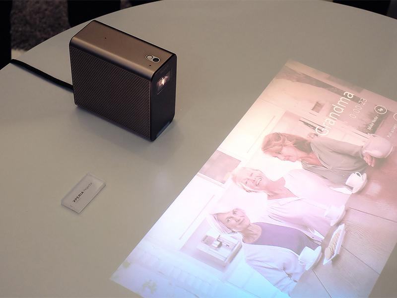 سونی به زودی پروژکتوری با قابلیت پخش تصویر قابل لمس، عرضه می کند