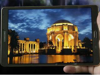 باریک تر بودن Samsung Galaxy Tab S2 نسبت به iPad Air 2