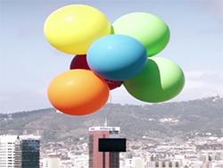 اثبات سبک بودن تبلت Z4 سونی، با به هوا فرستادن آن بوسیله بادکنک!