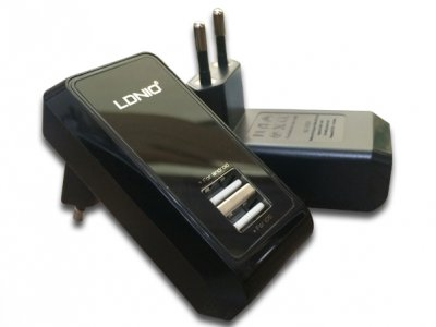 شارژر دیواری 2.1 آمپر LDNIO با دو پورت USB مدل DL-AC60