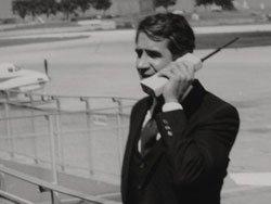 اولین تلفن همراه دنیا، در سال 1983 در آمریکا به فروش رفت