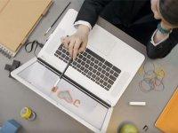 AirBar، دستگاهی که صفحه نمایش مک بوک شما را لمسی می کند
