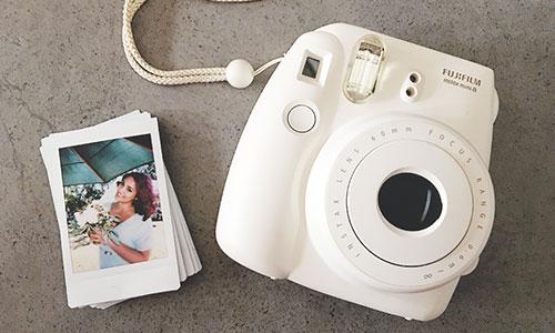 لذت عکاسی آنالوگ و چاپ آنی تصاویر با Instax Mini 8