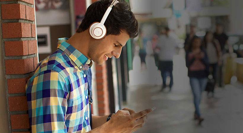 نویز کنسلینگ فعال هدفون امکان حذف یا عدح حذف صدا را فراهم اهم میکند