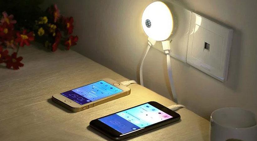 شارژر دیواری و چراغ خواب هوکو Hoco Mini Night Light Smart Wall Charger