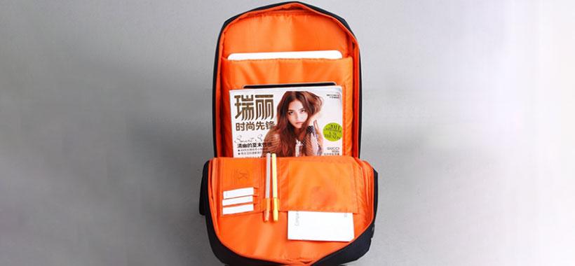 کیف لپ تاپ کینگ سانز دارای جیب های مختلف