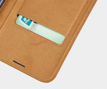 اسلات تعبیه شده در داخل کیف محافظ نیلکین Galaxy S8