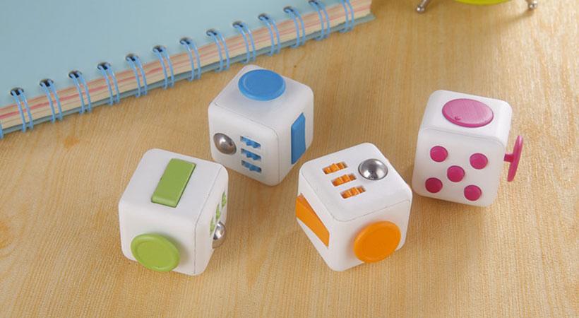 رنگ بندی مکعب ضد استرس Fidget Cube
