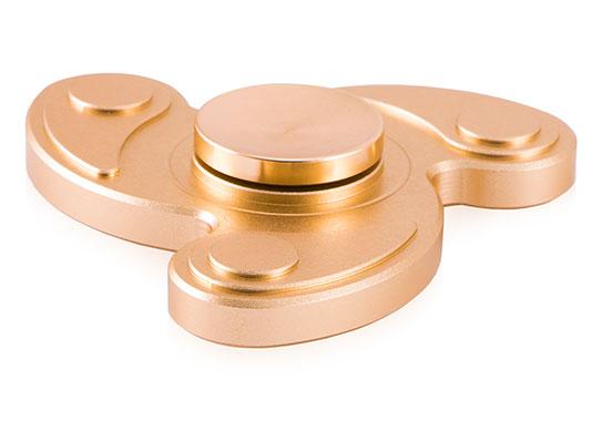 اسپینر فلزی سه پره ای طرح قطره با رنگبندی زیبا