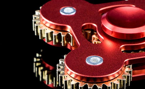اسپینر فلزی چهار پره ای چرخ دنده ای spinner fidget