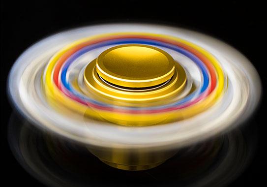 اسپینر فلزی شش پره ای رنگی  با بلبرینگ های روان