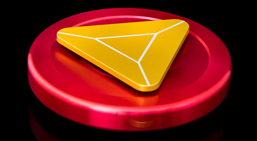 اسپنیر فلزی چرخی طرح مثلث با بلبرینگهای روان
