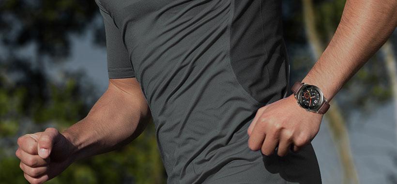 مربی ورزشی و پیگیری ورزش با ساعت هوشمند هووای