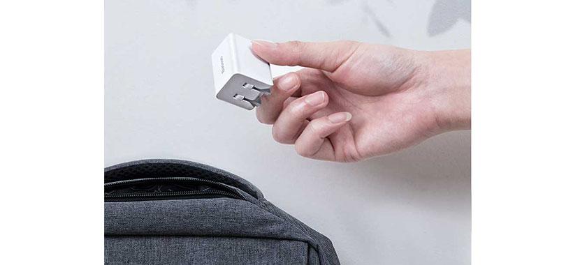 شارژر دیواری تایپ سی به همراه کابل شارژ و انتقال داده تایپ سی به لایتنینگ بیسوس Baseus Type-C PD Quick Charger 18W + Type-C to Lightening Data Cable TC-075 PPS