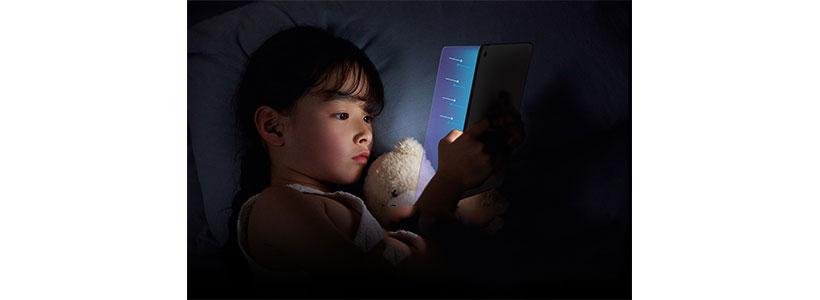 گلس ضداشعه آبی نیلکین iPad 10.2