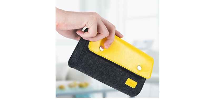 کیف راک مدل Wool Felt Digital Gadget