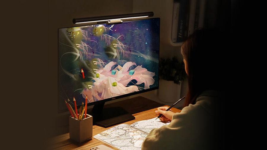 بازی و سرگرمی آخر شب بدون اذیت شدن چشم ها توسط نور آویز نمایشگر بیسوس Baseus USB Stepless Dimming Screen Hanging Light