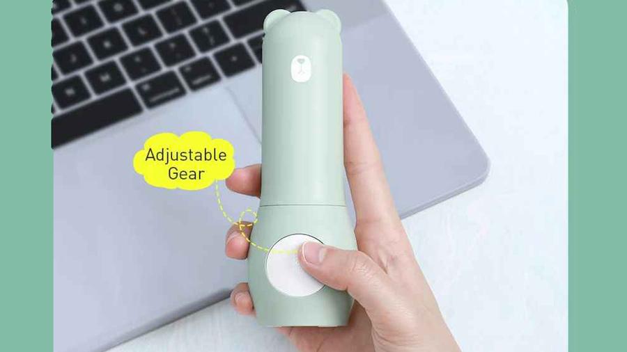 پنکه دستی بیسوس Baseus Tricolor bear Folding fan دارای یک دکمه برای کنترل فن