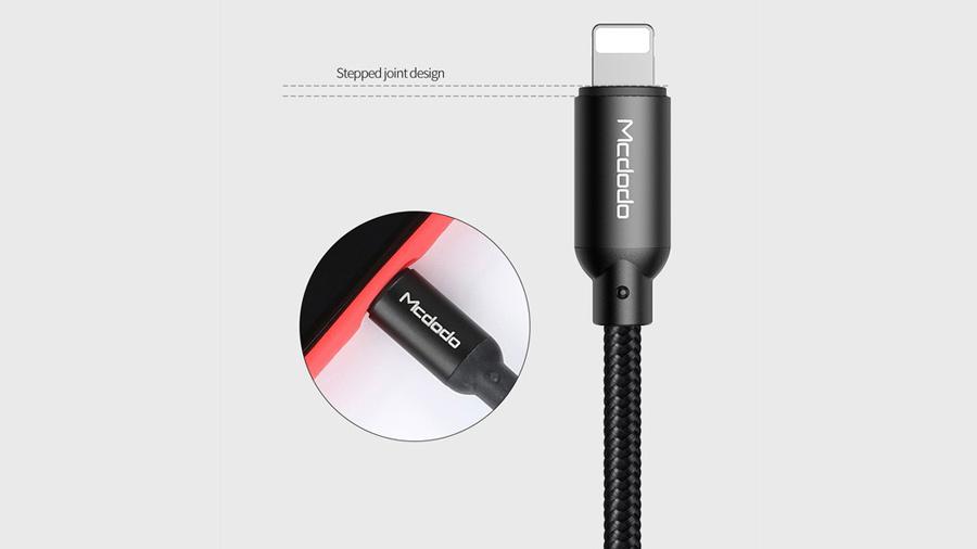 کابل شارژ و انتقال دیتا 1.2 متری لایتنینگ مک دودو MCDODO Data Cable For Lightning 1.2M CA-710 استفاده بدون نیاز به خارج کردن کاور موبایل
