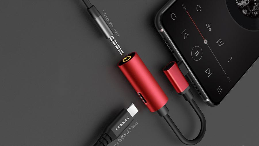 مبدل تایپ سی به تایپ سی و 3.5 میلیمتری صدا مک دودو MCDODO Type-C to 3.5mm Audio+Type-C CA-546 قابلیت شارژ دستگاه همزمان با اتصال هندزفری